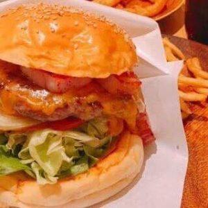 定番さんぽの合間に【新宿御苑人気No.1】カスタムハンバーガーへGO!