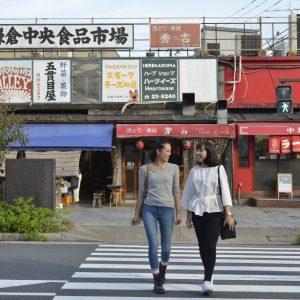 有名シェフにも人気の鎌倉野菜をお買い物&海を眺める贅沢ごはん